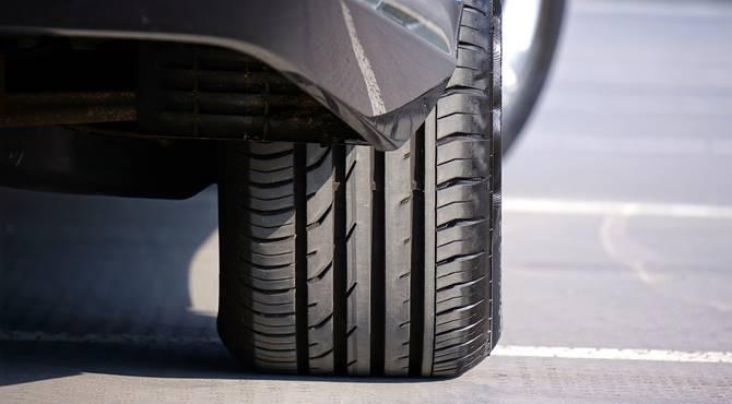 Automobilska guma