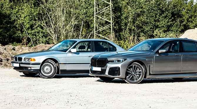 Dva BMW-a na parkingu