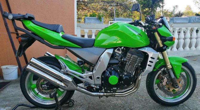 zeleni motor kawasaki